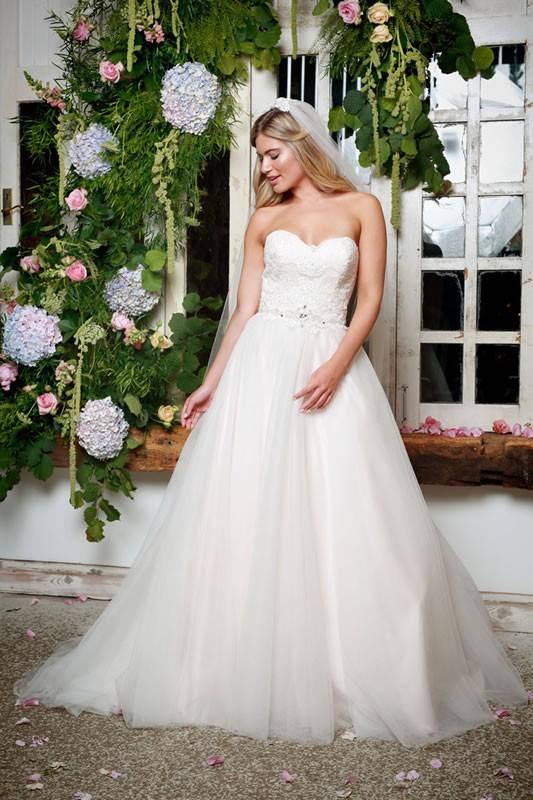 Amanda Wyatt Prom Dresses 19