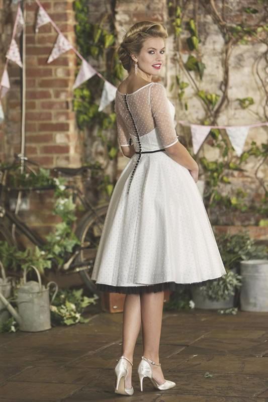 brighton belle wedding dresses latest brighton belle wedding dresses and uk stockists. Black Bedroom Furniture Sets. Home Design Ideas