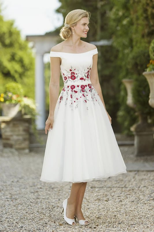 Brighton belle wedding dresses latest brighton belle for Belle style wedding dress