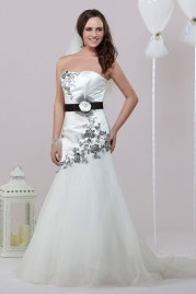Alexia Daisy Wedding Dress D020