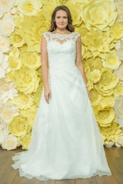 Alexia Daisy Wedding Dress D040