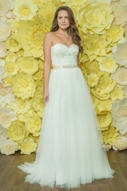 Alexia Daisy Wedding Dress D041