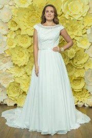 Alexia Daisy Wedding Dress D044