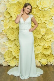 Alexia Daisy Wedding Dress D049