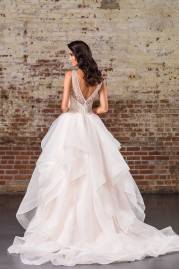 Justin Alexander Signature Wedding Dress 9847