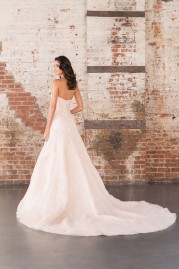 Justin Alexander Signature Wedding Dress 9851