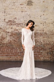 Justin Alexander Signature Wedding Dress 9856