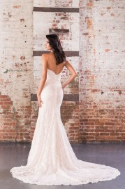 Justin Alexander Signature Wedding Dress 9857