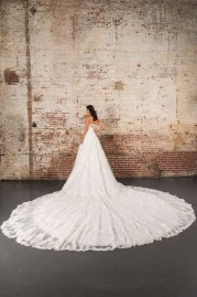 Justin Alexander Signature Wedding Dress 9860