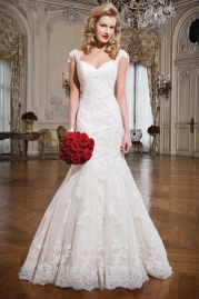 Justin Alexander Wedding Dress 8758