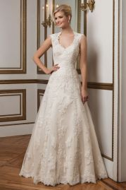 Justin Alexander Wedding Dress 8822