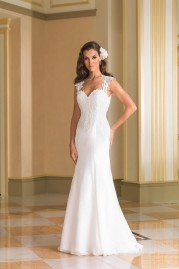 Justin Alexander Wedding Dress 8867
