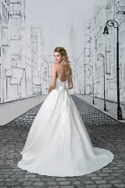 Justin Alexander Wedding Dress SS2017 8898