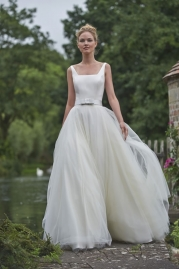 Stephanie Allin Wedding Dress Nicola