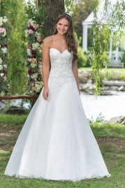 Sweetheart Wedding Gown 6156