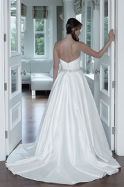 Veromia DZage Wedding Dress D31568 Back